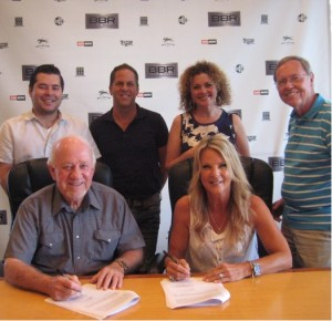 GRAMMY-Winning Hit Songwriter VICKY MCGEHEE Signs Publishing Deal with BBR Music Group¹s Magic Mustang Music